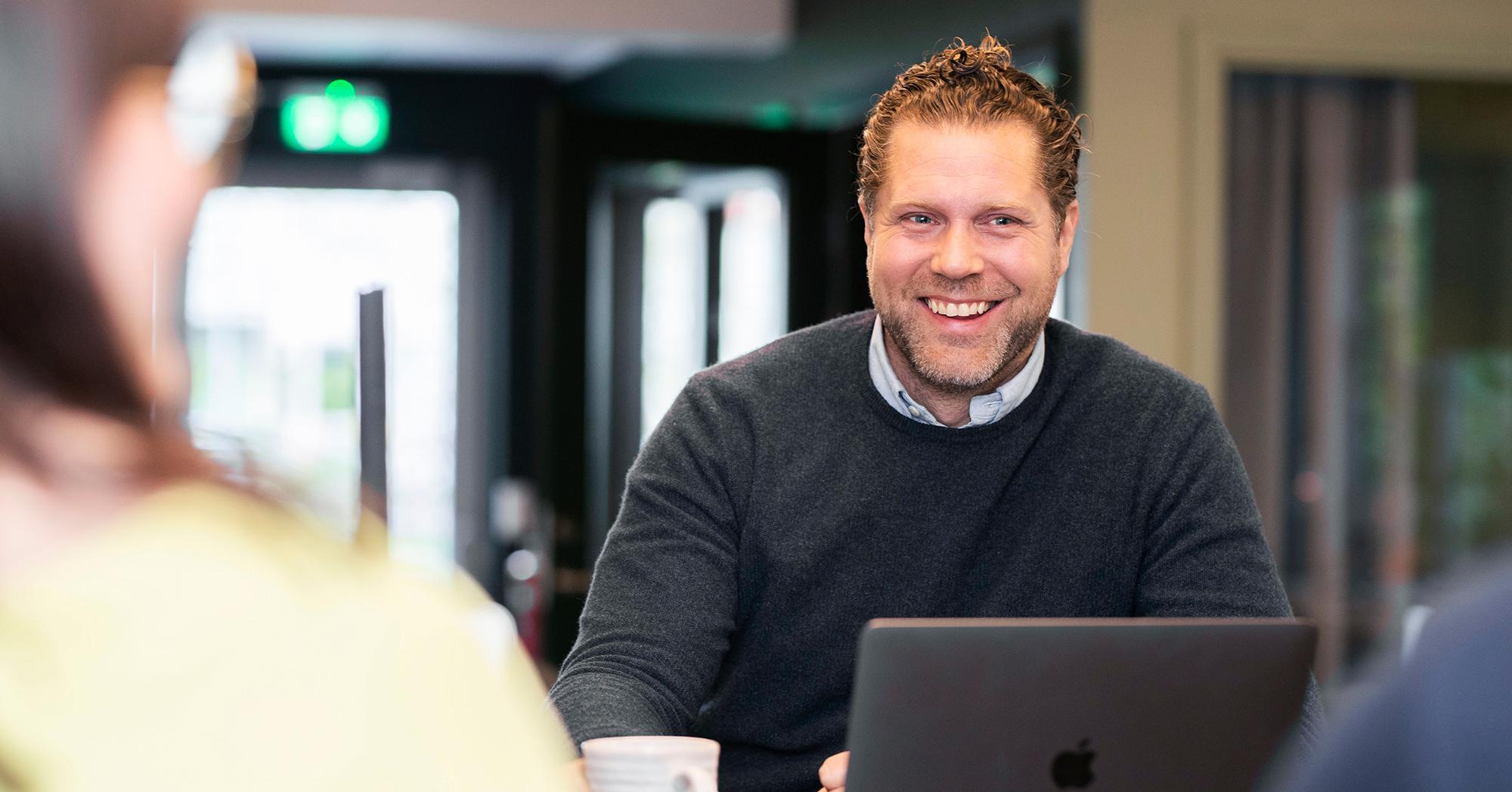 Emil är vd på rekryteringsbolaget Infinity HR